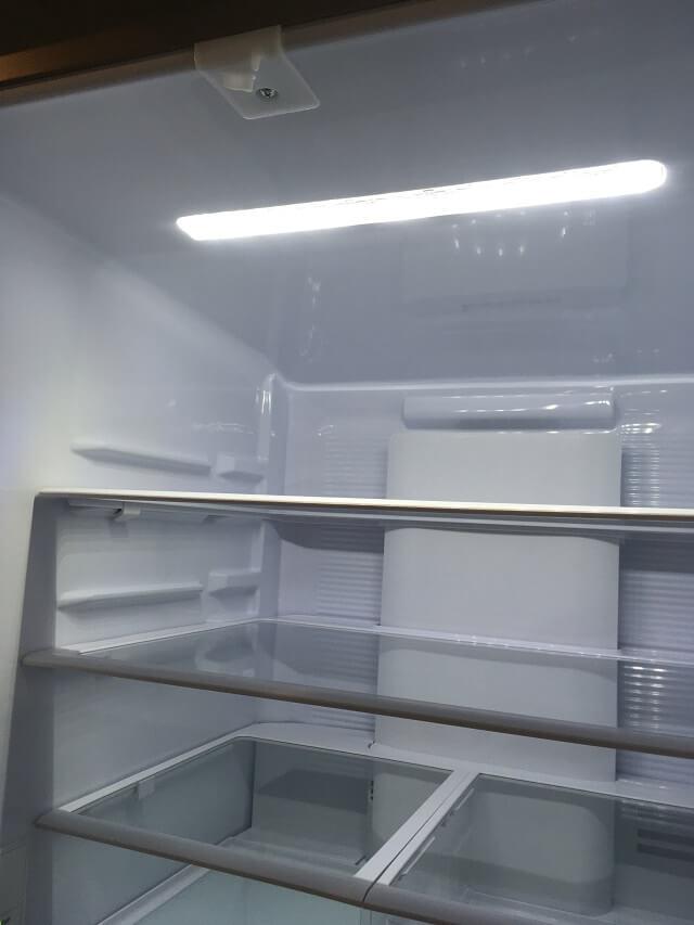 冷蔵室のLEDライト