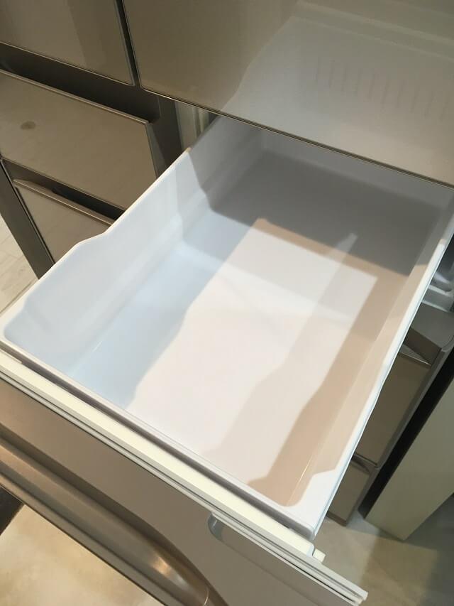冷凍室上段のケース