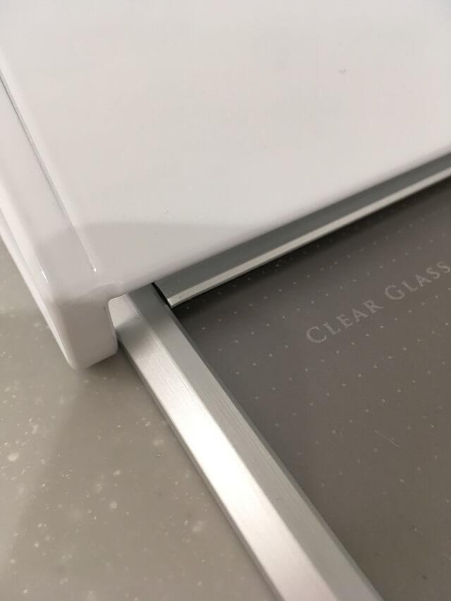 排気口と排気口カバーのすき間